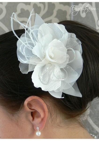 Haargesteck mit Blume auf Kamm
