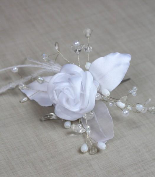 Rose mit Perlen auf Haarnadel