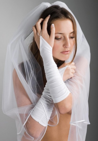 Handschuhe mit Raffung