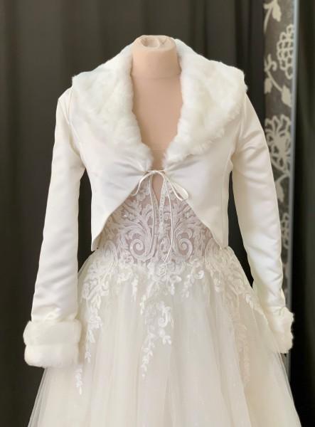 Brautjacke aus Satin und Kunstfell, langarm